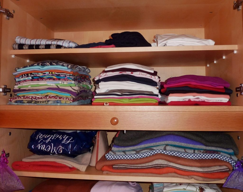 konmari method steps for decluttering and recycling